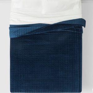 GORGEOUS blue velvet Queen Comforter 💙✨
